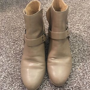 Shoes - Dark taupe booties